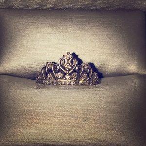 Beautiful tiara ring from ZALES.